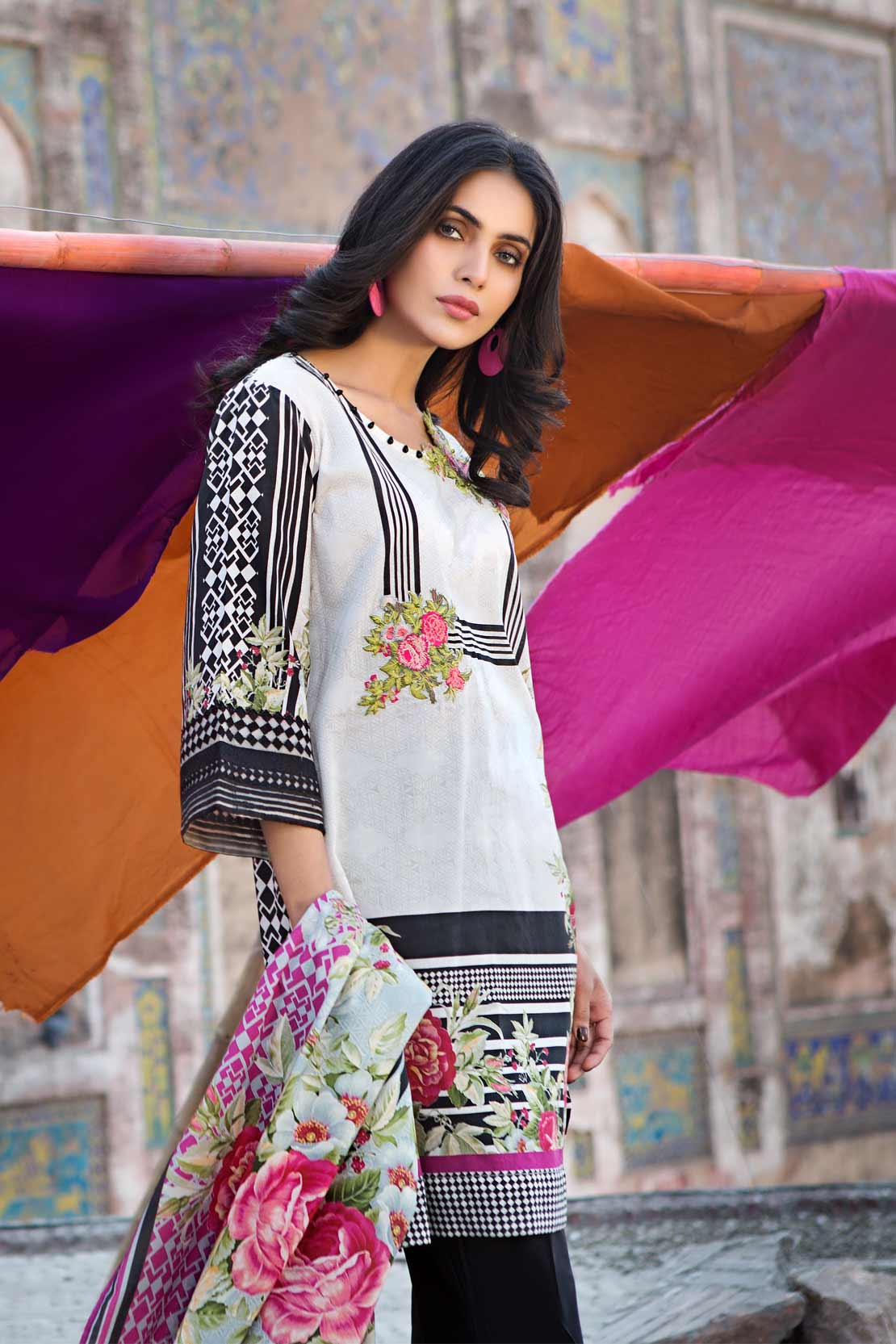 Pareesa Lawn Summer Collection 2018 By CenOne